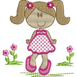 Menina passeando nas Flores