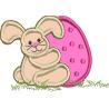 Coelho com ovo de páscoa