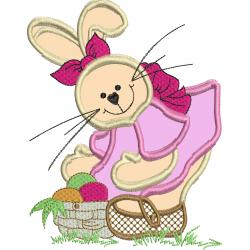 Coelha com cesta de ovos