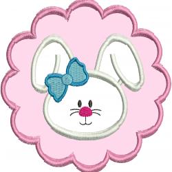Coelha com detalhe rosa e laço