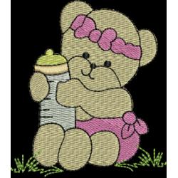 Ursinha com mamadeira